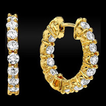 Round Diamond Hoop Earrings 2.80 tcw. In 14 Karat Yellow Gold