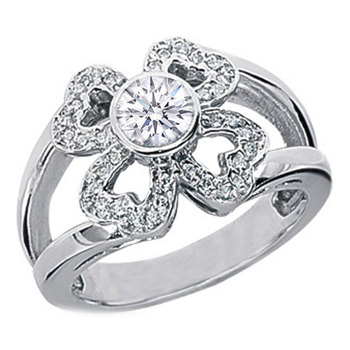 Heart Flower Diamond Ring in 14 Karat White Gold