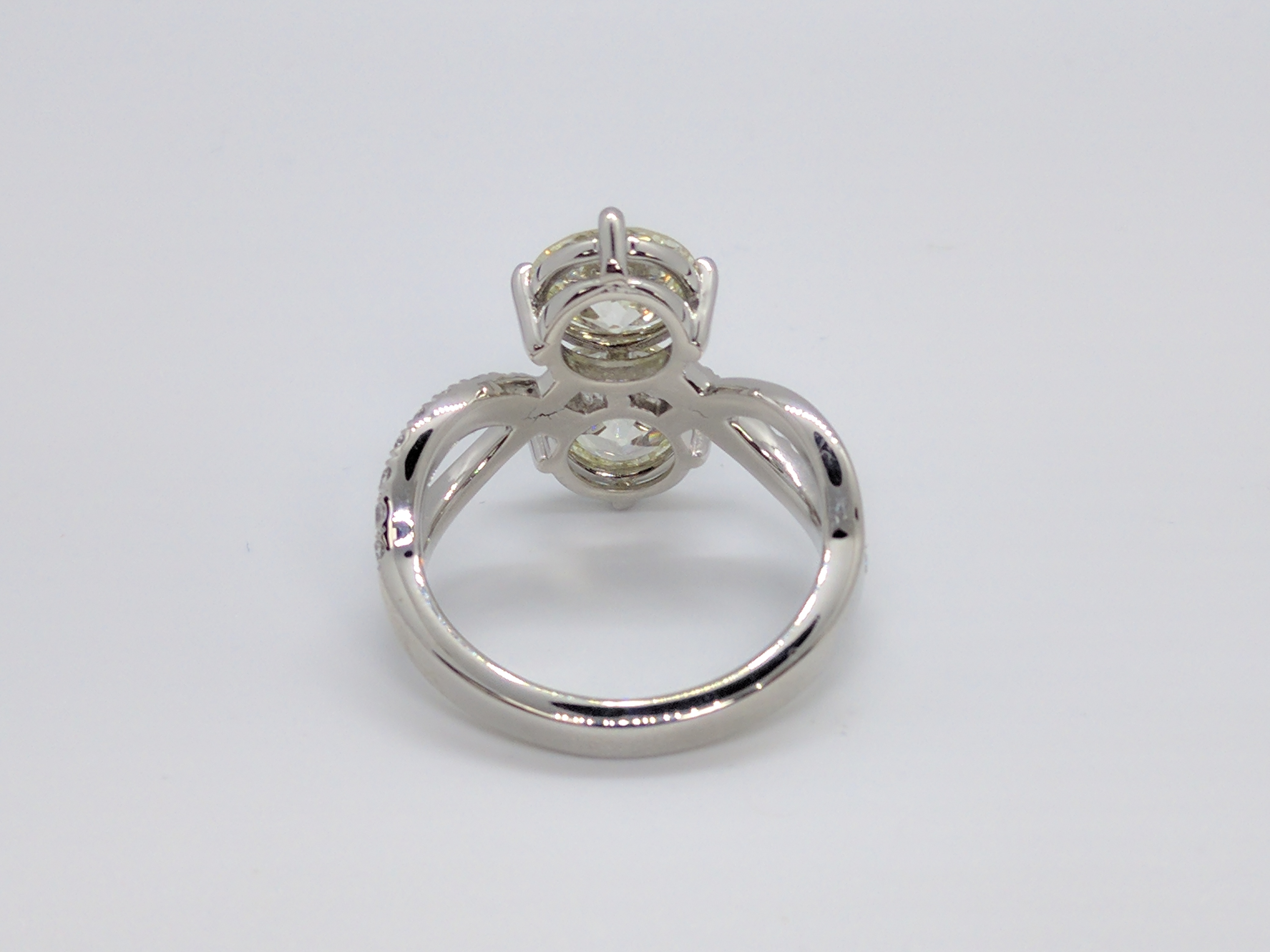 Round Swirl Duo Diamond Engagement Ring