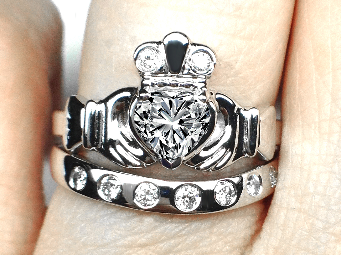 Heart Diamond Claddagh Engagement Ring & Matching Wedding Band