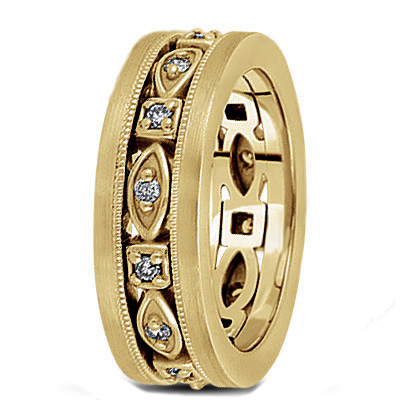 Men's Diamond Wedding Band in Yellow Gold