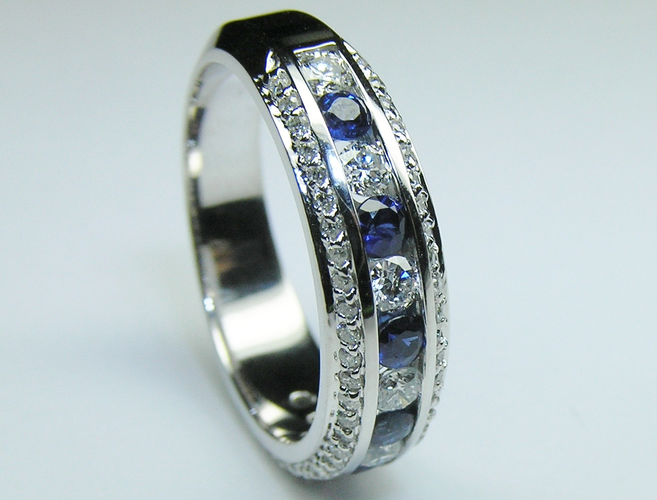 anniversary gold eternity weight karat black total carat sapphires bands sapphire the band with green ring products carats