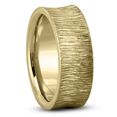 Concave Tree Bark Men's Wedding Band in Yellow Gold